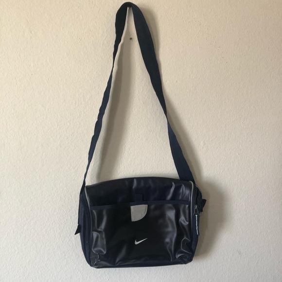 NIKE Insulated Travel Bag